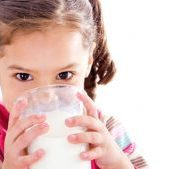 kids drink full fat milk